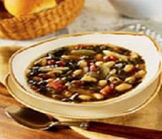 WW Crockpot Cannellini Bean Soup-This is a low calorie, low fat, low carb, NO-Cholesterol for a delicious No-Meat soup. It's also a Weight Watchers 3 Points+ recipe. Makes 6 Servings at (1-1/2 cups) per serving.