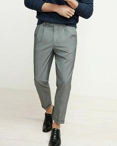 Muốn may một chiếc quần đẹp là một điều không phải nhà may nào cũng thực hiện được và khách hàng cũng thường không biết là liệu chiếc quần của mình có được coi là đẹp hay không?