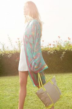 Tan & Yellow Linen Tote Bag | Classic Tote | Stella & Dot Click to shop @ www.stelladot.com/loriakowalik