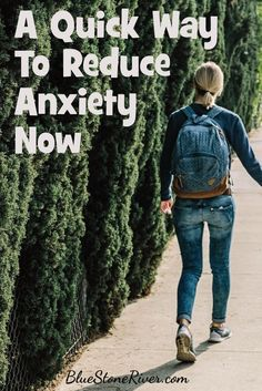 Feeling stressed out, here's a quick way to reduce anxiety. Deal With Anxiety, Anxiety Tips, Anxiety Help, Stress And Anxiety, Ways To Reduce Anxiety, Reduce Stress, Anxiety Activities, Stress Relief Tips, Coping With Stress