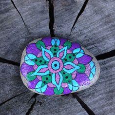 Guijarro piedra pintado pintado pintada por TheDecorativeNest