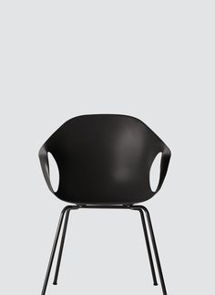 Kristalia: modern design furniture and quality made in italy Furniture Depot, Cane Furniture, Bespoke Furniture, Furniture Design, Office Furniture, Sofa Chair, Armchair, Contemporary Design, Chairs
