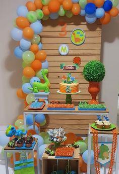Boys First Birthday Party Ideas, Baby Boy Birthday, 3rd Birthday Parties, Birthday Party Decorations, Dinosaur Birthday Cakes, Dinosaur Party, Die Dinos Baby, Baby Dino, Happy Party