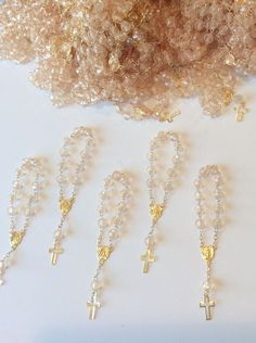 30 Mini Rosary Off White Baptism Favors /Gold Plated /Communion Favor/recuerdito Communion Party Favors, Baptism Party Favors, Christening Favors, Wedding Party Favors, Homemade Wedding Favors, Inexpensive Wedding Favors, Elegant Wedding Favors, Wedding Ideas, Baby Jar Favors