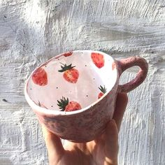 Swish and thriftiness – DIY – Fimo & Clay – Ceramic Ceramic Pottery, Pottery Art, Ceramic Art, Ceramic Cups, Pottery Mugs, Crackpot Café, Keramik Design, Cute Mugs, Pretty Mugs