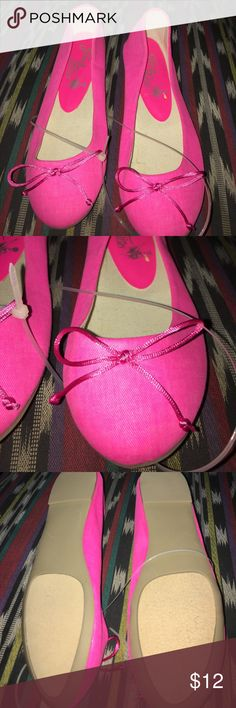 Hot pink canvas flats Brand new Hot pink canvas flats Shoes Flats & Loafers