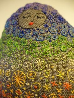 pebble doll-how to make http://annabranford.com/ideas/how-to-make-a-linen-pebble-doll