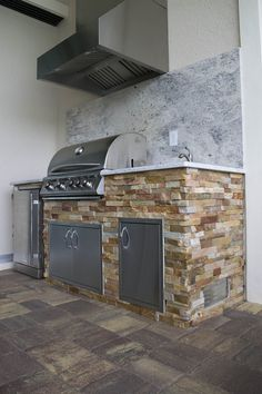 Custom Outdoor Kitchen Design of Southwest Florida We welcome you to the Elegant Outdoor Kitchen custom barbecue island project portfolio! Take a few minutes to explore our projects and to familiarize yourself with our designs. Our project portfolios will help you get a better idea of what you...