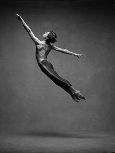 Ballet dancers, including Misty Copeland, show off their breathtaking athleticism in the new book from NYC Dance Project called 'The Art Of Movement. Drawing Poses Male, Male Ballet Dancers, Art Ballet, Dancer Photography, Dance Project, Ballerina Project, Misty Copeland, Contemporary Dance, Modern Dance