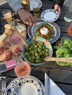 Think Food, I Love Food, Good Food, Yummy Food, Food N, Food And Drink, Snacks Für Party, Aesthetic Food, Cute Food