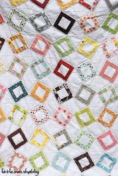 ♥ free pattern: http://www.littlemissshabby.com/2011/05/flea-market-fancy-quilt-full-reveal/