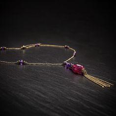 Le Papillon Collier. Silber vergoldet & Double. Mit Amethysten und Pink Quarz Anhänger.  http://eclat-joaillerie.com/produkt/le-papillon-collier