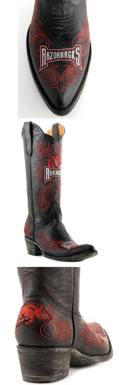 University of Arkansas Razorbacks - distressed pointed toe cowboy / cowgirl boots with logo
