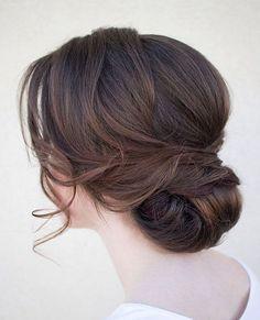Znalezione obrazy dla zapytania niskie upięcie włosów