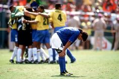 World Cup 1994 Glory in the pain Legends Football, Football Soccer, Football Players, Roberto Baggio, Italy National Football Team, International Football, World Cup Final, My Collection, Fifa World Cup