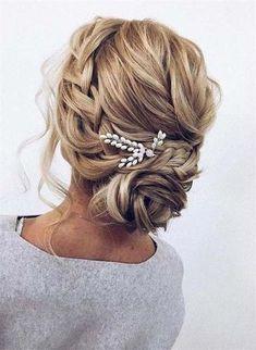 Wedding Hairstyles For Medium Hair 2018-2019 Pinup Hair Short, Short Hair Updo, Braided Hairstyles Updo, Fancy Hairstyles, Hairstyle Ideas, Hair Ideas, Curly Braids, Updos With Braids, Hairstyles Pictures