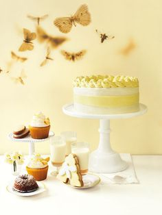 Another gorgeous Donna Hay recipe - Honey Butter Layer Cake Cake Recipes, Dessert Recipes, Desserts, Donna Hay Recipes, Butter Icing, Creamed Honey, Fondant, Honey Butter, Honey Recipes