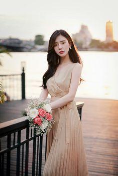 Korean Beauty, Asian Beauty, Asian Woman, Asian Girl, How To Look Classy, Korean Outfits, Female Portrait, Girl Model, Ulzzang Girl
