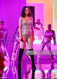 Selena Gomez Surprises Everyone At American Music Awards 2019 Selena Gomez Photoshoot, Selena Gomez Fotos, Selena Gomez Outfits, Selena Gomez Latest, Selena Gomez 2019, Selena Gomez Cute, Selena Gomez Pictures, Selena Gomez Body, Selena Gomez Concert