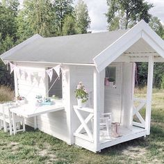 mommo design: OUTDOOR PLAYHOUSES #outdoorplayhouse #buildplayhouses #outdoorplayhousediy #outsideplayhouse