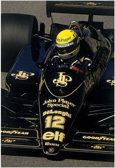 """Ayrton Senna - Lotus-Renault - 1986 ~ This has to be one of the best Formula 1 liveries of all time. Escuderias F1, Gp F1, Grand Prix, F1 Lotus, Lotus Auto, Formula 1 Car, Triumph, F1 Drivers, F1 Racing"