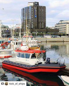 Si hei til polarsirkelbåt. #reisetips #reiseliv #reiseblogger #reiseråd  #Repost @kick_of_ships with @repostapp  Polarcirkel boat and SAS hotell in Bodø #polarcirkel_boats#SAS#plastic#harbor#kai#molo#brygge#workboat#bodo#bodø#norway#norway2day#norge#reiseradet#summer#sommer#nordnorge#helgeland_plast_as#raddisonblu