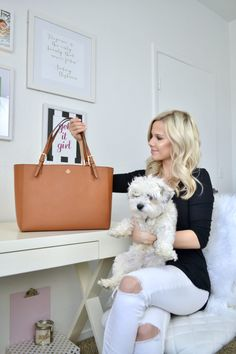 What to Pack in Your Work Bag - Glam Life Living Work Purse, Work Tote, Work Bags, Big Purses, Purses And Bags, Work Bag Essentials, Best Work Bag, Style Feminin, Beautiful Handbags
