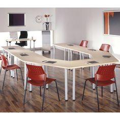 Mesas polivalentes trapezoidales. Ideales para el trabajo en equipo, aulas de formación... http://laoficinaonline.es/mesas-para-aula/171-mesa-polivalente-pie-trapezoidal.html