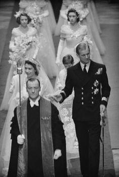 Queen Elizabeth Wedding, Queen Elizabeth Ii, Princess Alexandra, Princess Margaret, Princess Diana, Royal Brides, Royal Weddings, Wedding Tumblr, British Royal Families