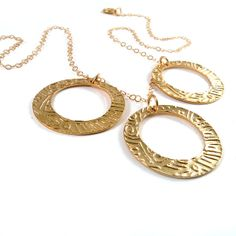 FREE SHIPPING, 3 gold hoops necklace, gold tribal necklace, gold texture, gold circles necklace on a gold filled chain. on Etsy, 346.17₪