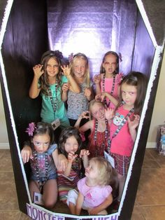 Monster High Ghoul School   Photo Booth
