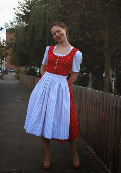 sewing galaxy: Mein Dirndl Staff Uniforms, Blog, Vintage, Dresses, Clothes, Style, Fashion, Oktoberfest, Vestidos