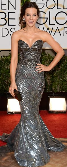 Kate Beckinsdale basically rocked red carpet body armour in Zuhair Murad at the Golden Globes LOVE THIS DRESS