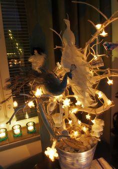 Vaateviidakko: Laulupuu, lintupuu Diy Decoration, Handmade Decorations, Chandelier, Ceiling Lights, Home Decor, Wood, Diy Decorating, Candelabra, Decoration Home