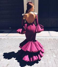 519 vind-ik-leuks, 1 reacties - Flamencas Y Volantes (@flamencasyvolantes) op Instagram: ' #FLAMENCASYVOLANTES Modelo : @instapi_ • • • #flamencas #volantes #modaflamenca #moda #model…'