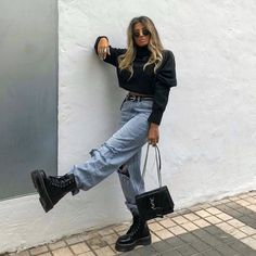 Old School fashion discovered « niubi. Urban Outfitters Outfit, Winter Fashion Outfits, Edgy Outfits, Cute Casual Outfits, Beach Outfits, Trendy Winter Outfits, Insta Outfits, Urban Style Outfits, Paris Outfits