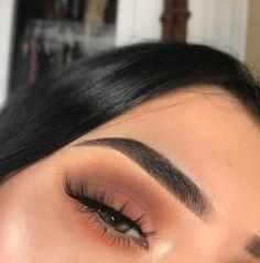 10 fancy make-up ideas that men find irresistible - Prom Makeup Makeup Eye Looks, Pretty Makeup, Skin Makeup, Eyeshadow Makeup, Eyeshadows, Eyeshadow Palette, Makeup Brushes, Eyebrow Makeup, Makeup Trends