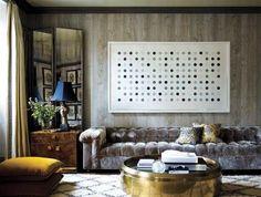 Great round side table in this modern living room decor #livingroomfurniture #sidetable #livingroomset