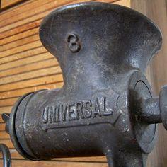 Universal Grinder by BlackStar55, via Flickr~I have my mom's