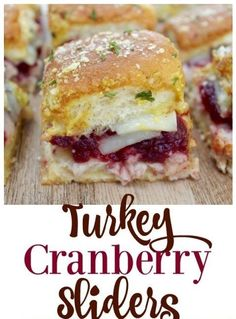 Use up those Thanksgiving leftovers to make these super easy and delicous Turkey Cranberry sliders for a fun and filling meal idea! Thanksgiving Leftover Recipes, Leftover Turkey Recipes, Leftovers Recipes, Thanksgiving Leftovers, Enchiladas, Fall Recipes, Holiday Recipes, Tapas, Slider Recipes