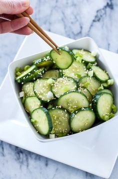 Asian Cucumber Sesame Salad This fresh, gluten free, vegan cucumber salad is full of delicious Asian flavors! Vegetable Recipes, Vegetarian Recipes, Cooking Recipes, Healthy Recipes, Healthy Life, Healthy Snacks, Best Salad Recipes, Easy Asian Recipes, Cucumber Salad
