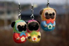 So Cute Felted pugs. Leave it to the Japanese. Felt Animals, Cute Animals, Black Pug Puppies, Pugs And Kisses, Basic Dog Training, Pug Pictures, Dog Photos, Pug Art, Needle Felted