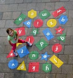 Letterspringen!  Alle 26 letters in het alfabet op leuke vormen Playground Painting, Playground Games, Backyard Playground, Natural Play Spaces, Math Games For Kids, Outdoor Education, Outdoor Classroom, Beginning Of The School Year, School Decorations