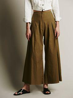 FP ONE High Waisted Pintuck Culottes - culottes on a come back. High End Fashion, 70s Fashion, Fashion Wear, Daily Fashion, Spring Fashion, Womens Fashion, Fashion Trends, 70s Mode, Trend Fabrics