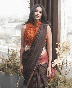 Saree Blouse Patterns, Designer Blouse Patterns, Desi Models, Blouse Neck Designs, Dress Designs, Saree Photoshoot, Indian Bollywood Actress, Elegant Saree, Saree Look