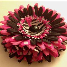 #flowerpins #flowerheadbands #pinkandblack #kids #hair #bowemgee