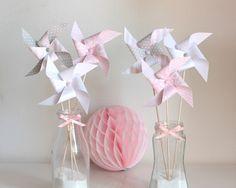6 moulins à vent, gris, rose et blanc : Accessoires de maison par latelierdesconfettis
