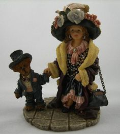 Amy And Edmund - Momma's Clothes from the Boyd's Bears collection. Retired in 2001. $54