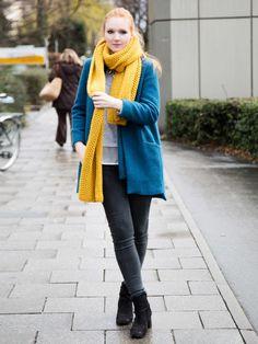 Gelb und Petrol stehen zwar in einem enormen Kontrast zueinander (vor allem für Redheads), geben in der Kombi aber auch ein echtes Dream-Team und stylisches Outfit ab!