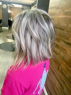 Soft Flaxen Blonde Curls - 40 Hair Сolor Ideas with White and Platinum Blonde Hair - The Trending Hairstyle Blonde Lob Hair, Platinum Blonde Hair, Ash Blonde Short Hair, Sombre Hair, Lob Hairstyle, Cool Hairstyles, Medium Hair Styles, Short Hair Styles, Gray Hair Highlights